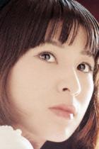 宇多田ヒカル母・藤圭子の封印された評伝、大物作家との悲恋とは
