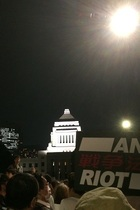 6万人! 国会前デモの熱気を伝えないNHK、日テレ、フジはどこの国の報道機関なのか