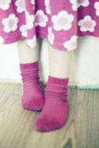 一大ブームの「冷えとり健康法」はEM菌レベルのニセ科学!?バカ売れの重ね履き用靴下を医師が検証してみたら…