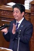 もはや北朝鮮、安倍首相の所信表明「自民党議員の起立・拍手」の裏側! 見た目の異様さ以上に恐ろしい事態が