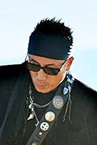 長渕剛が安倍政権を批判する新曲を発表!「カネにまみれたゾンビ」「歴史に群がる裏切り」