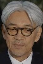 脱原発を訴え続ける坂本龍一が受けた政治圧力と誹謗中傷!「『中立を』という言い方で体制批判が封じ込められる」