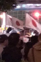 安倍首相の秋葉原街頭演説が極右集会そのもの! 「こんな人たち」を排除し、日の丸はためくなか「安倍総理がんばれ」コール