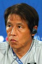 日本代表パス回し擁護で日本メディアが大本営状態に! 批判はタブー、朝日と産経も「成熟」と賞賛で完全に一致