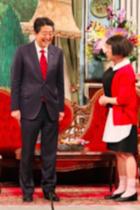 安倍首相の吉本新喜劇出演=お笑いの政治利用に、吉本所属のウーマン村本と星田英利が勇気ある批判!