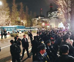 地下鉄出口封鎖、通行阻止…官邸前デモの過剰警備がひどい! 拡大する抗議封じ込めのため官邸が警視庁に圧力かの画像1