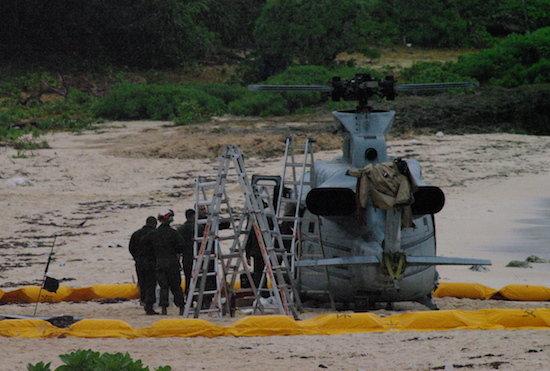 伊計島、読谷村の相次ぐ米軍ヘリ不時着を現地で緊急取材! 未だ占領状態に地元から怒りの声がの画像1