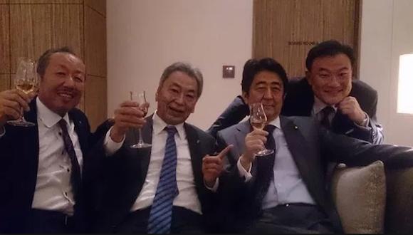 安倍首相が加計氏に続き「男たちの悪巧み」写真のお友達を優遇! メガバンク幹部なのに監督官庁の金融庁参与にの画像1