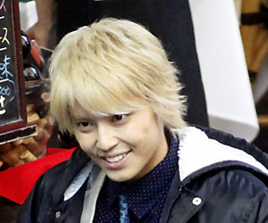tegoshi_180614_top.jpg