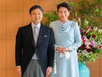 新天皇の「お言葉」で「日本国憲法」尊重姿勢が弱まった理由は…背景に安倍首相による取り込みと官邸の圧力の画像1